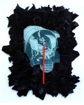 Laika 2012, Papier, Luftballon, Vinyl, Holz 45 x 37 x 2 cm
