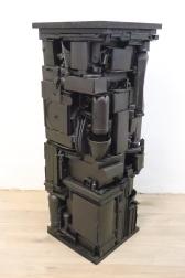 Sockel 2 2012, Verschiedene Materialien, Holz, Spielzeug, Sprühlack 105 x 36 x 36 cm
