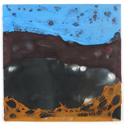 Hügelsonne 2010, Polyethylen & Kartoffelsack auf Keilrahmen, 95 x 95 x 4 cm